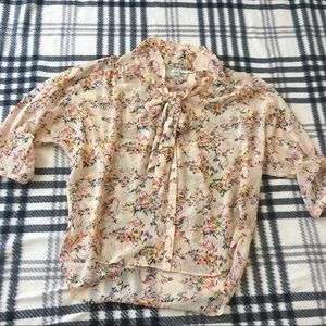 Kimchi Blue sheer printed Blouse size small